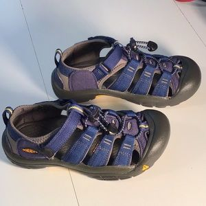 Keen EUC Boy's Water/Hiking Blue Sandals Size 3